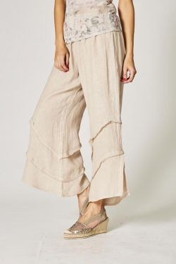 Linen pants, details on bottom