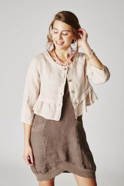 Short jacket ruffle lower line linen