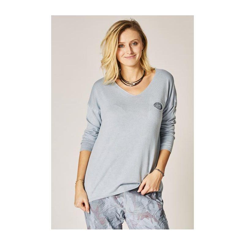 V neck light sweater